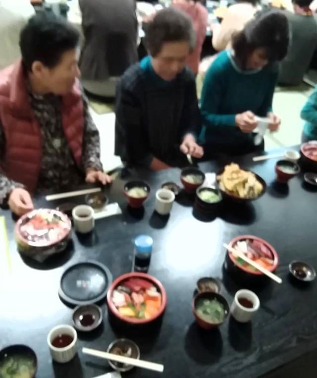 白石 海鮮丼2