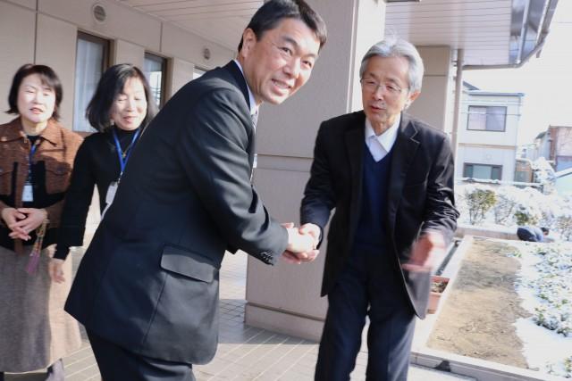 村井知事 決定3
