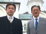 木谷函館教会長(向かって左)と共に
