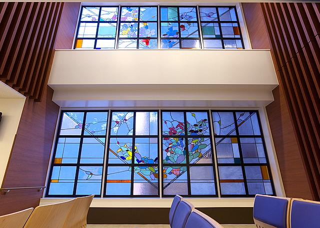 「いのちの泉」 2011年 湯浅報恩会寿泉堂綜合病院待合ホール(決定写真&アイキャッチ)